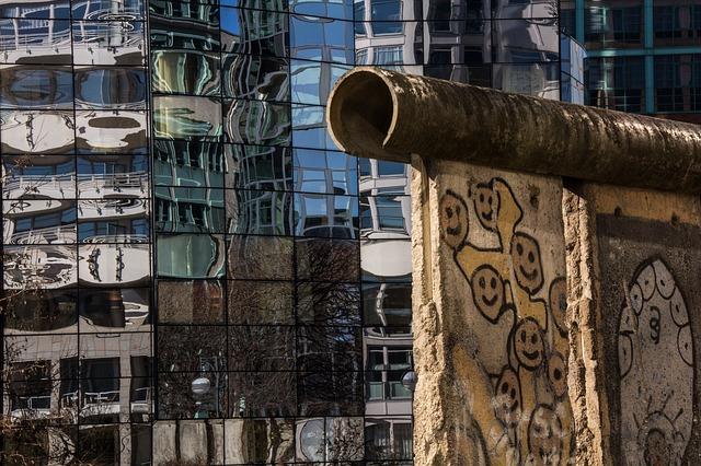 foto ruina del muro de berlin