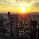 Fotografia del atardecer en la ciudad de Frankfurt